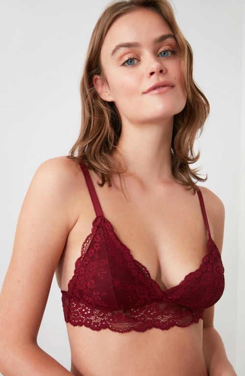 Piros női csipke melltartó